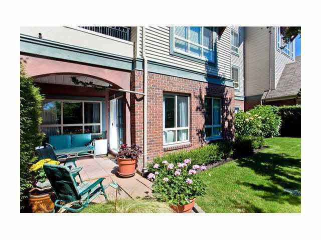 Main Photo: 102 150 W 22ND STREET in : Central Lonsdale Condo for sale : MLS®# V849769