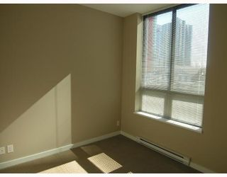 "Photo 7: 401 531 BEATTY Street in Vancouver: Downtown VW Condo for sale in ""531 BEATTY"" (Vancouver West)  : MLS®# V667517"