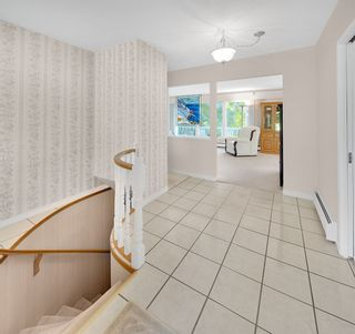 Photo 9: 134 MONTGOMERY Street in Coquitlam: Cape Horn House for sale : MLS®# R2404412