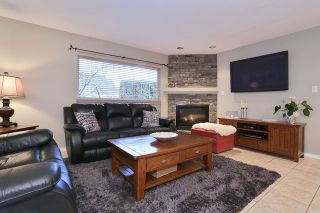 """Photo 8: 5748 168TH Street in Surrey: Cloverdale BC House for sale in """"RICHARDSON RIDGE"""" (Cloverdale)  : MLS®# R2024526"""