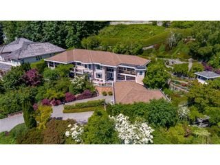"Photo 2: 13557 55A Avenue in Surrey: Panorama Ridge House for sale in ""Panorama Ridge"" : MLS®# R2467137"