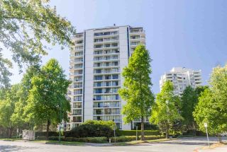 """Photo 2: 1007 6455 WILLINGDON Avenue in Burnaby: Metrotown Condo for sale in """"PARKSIDE MANOR"""" (Burnaby South)  : MLS®# R2207177"""