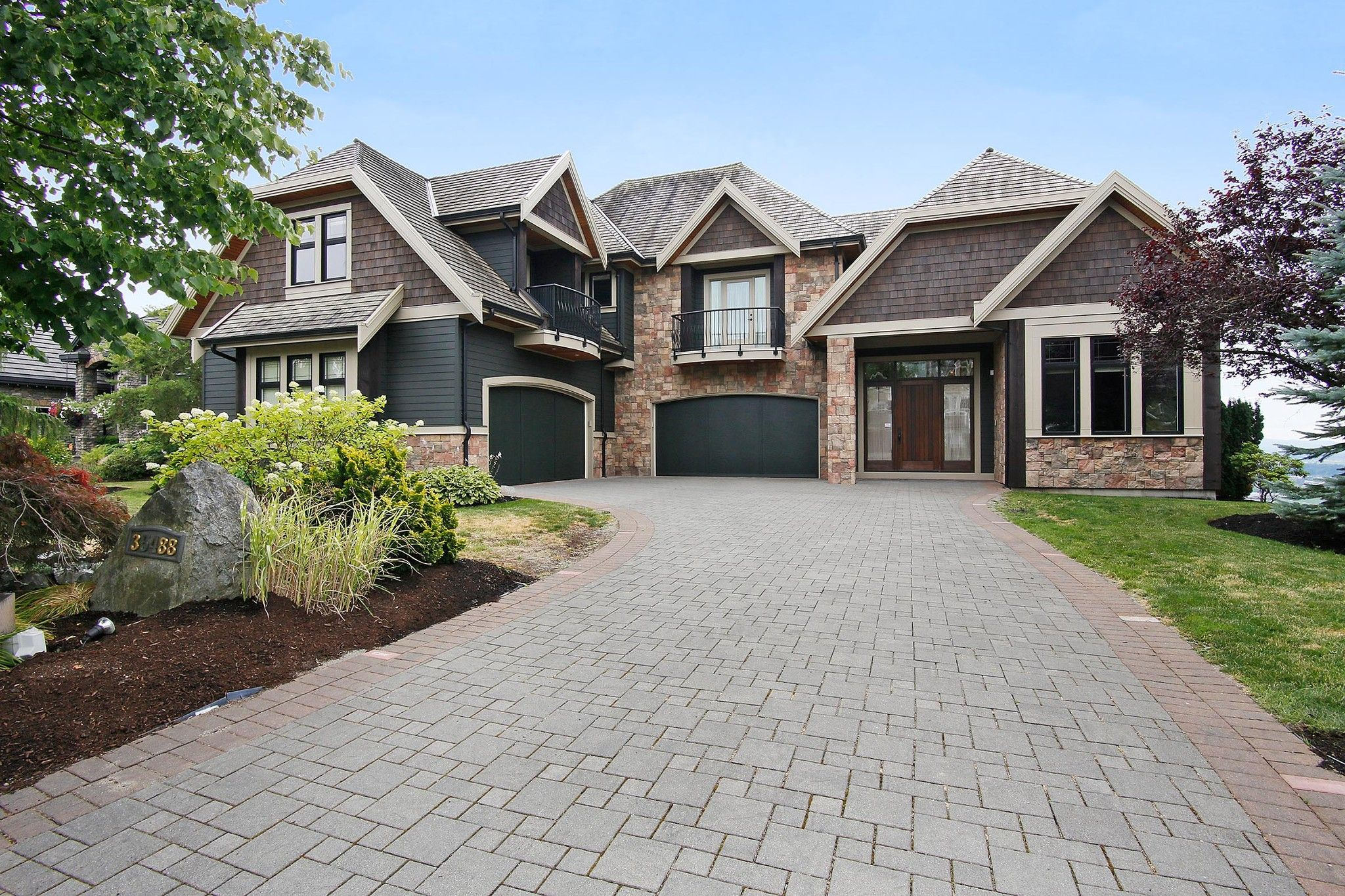 """Main Photo: 35488 JADE Drive in Abbotsford: Abbotsford East House for sale in """"Eagle Mountain"""" : MLS®# R2222601"""