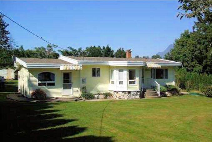 Photo 2: Photos: 53829 MCGREGOR Road in Rosedale: Rosedale Popkum House for sale : MLS®# R2140430