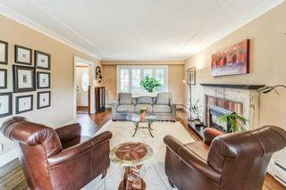 Photo 9: 50 S Grenview Boulevard in Toronto: Stonegate-Queensway House (1 1/2 Storey) for sale (Toronto W07)  : MLS®# W5323220