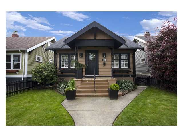 """Main Photo: 2356 CHARLES Street in Vancouver: Grandview VE House for sale in """"COMMERCIAL DRIVE"""" (Vancouver East)  : MLS®# V826451"""