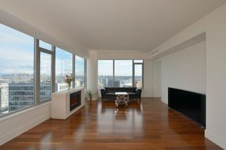 """Photo 7: 3404 667 HOWE Street in Vancouver: Downtown VW Condo for sale in """"PRIVATE RESIDENCES AT THE HOTEL GEORGIA"""" (Vancouver West)  : MLS®# R2575549"""