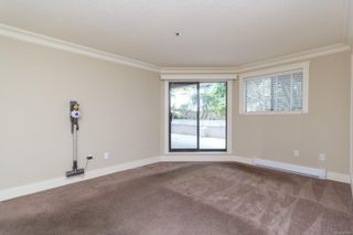 Photo 15: 111 1560 Hillside Ave in : Vi Oaklands Condo for sale (Victoria)  : MLS®# 851555