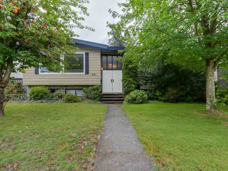 FEATURED LISTING: 691 COLINET Street Coquitlam