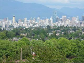 Photo 3: 3841 W 13TH Avenue in Vancouver: Point Grey House for sale (Vancouver West)  : MLS®# V894482