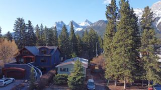 Photo 2: 522 4th Street: Canmore Detached for sale : MLS®# A1105487