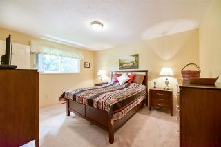 """Photo 9: 1705 142 Street in Surrey: Sunnyside Park Surrey House for sale in """"Ocean Bluff"""" (South Surrey White Rock)  : MLS®# R2165784"""