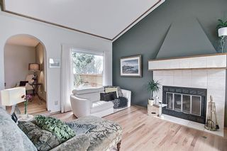 Photo 8: 824 Shawnee Drive SW in Calgary: Shawnee Slopes Detached for sale : MLS®# A1083825
