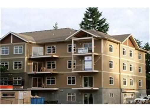 Main Photo:  in VICTORIA: La Langford Proper Condo for sale (Langford)  : MLS®# 399931