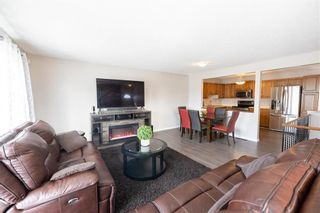 Photo 4: 187 Brixton Bay in Winnipeg: River Park South Residential for sale (2F)  : MLS®# 202104271