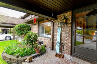 """Photo 2: 82 8111 SAUNDERS Road in Richmond: Saunders Townhouse for sale in """"OSTERLEY PARK"""" : MLS®# R2553834"""