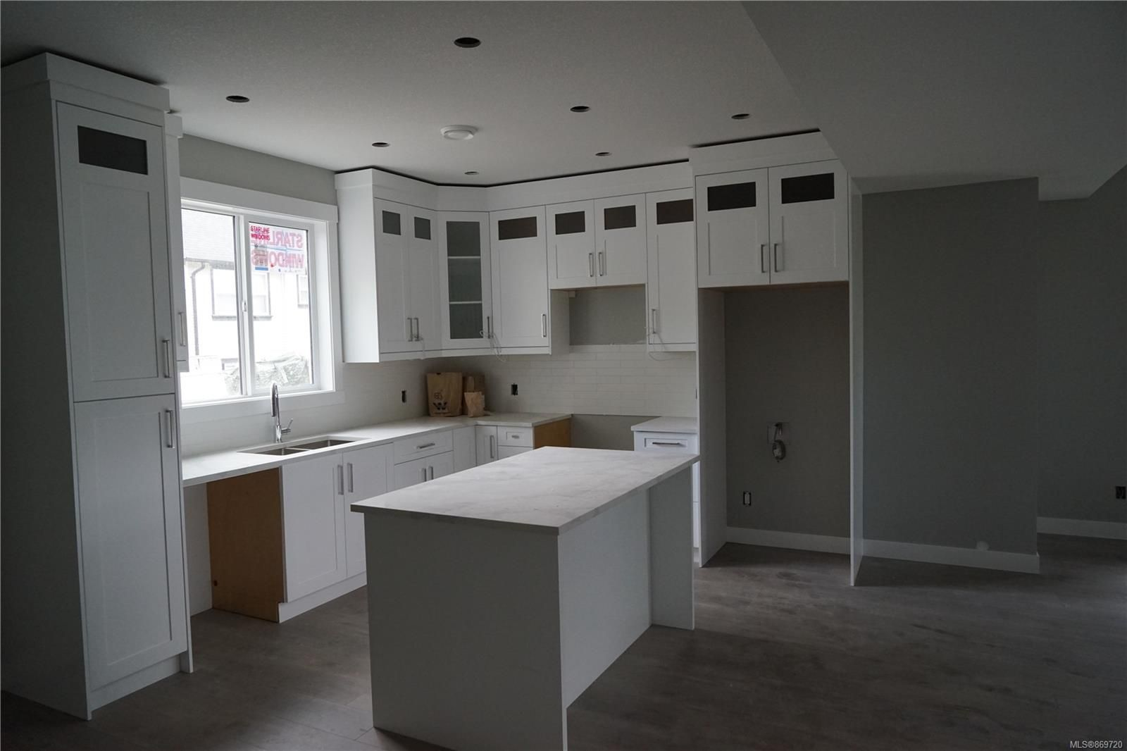 Photo 11: Photos: 770 Bruce Ave in : Na South Nanaimo House for sale (Nanaimo)  : MLS®# 869720