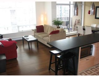 "Photo 1: 2304 1055 HOMER Street in Vancouver: Downtown VW Condo for sale in ""DOMUS"" (Vancouver West)  : MLS®# V798814"