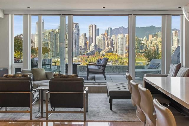 Main Photo: 202 977 8th Ave in Vancouver: Fairview VW Condo for sale (Vancouver West)
