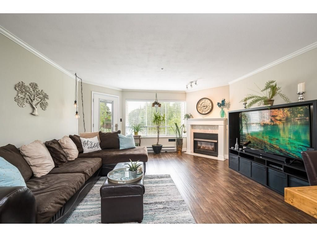 """Photo 6: Photos: 306 5450 208 Street in Langley: Langley City Condo for sale in """"Montgomery Gate"""" : MLS®# R2608181"""