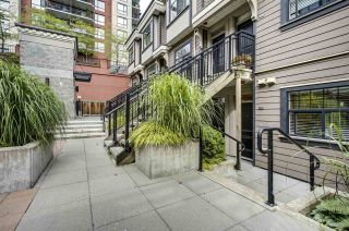 """Photo 13: 203 828 ROYAL Avenue in New Westminster: Downtown NW Townhouse for sale in """"Brickstone Walk"""" : MLS®# R2388112"""