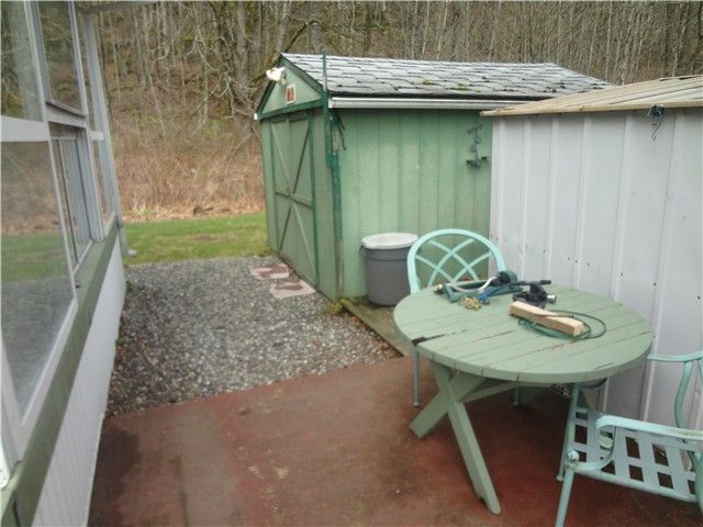 Photo 12: Photos: 58597 LOUGHEED Highway: Agassiz Manufactured Home for sale : MLS®# H1401102