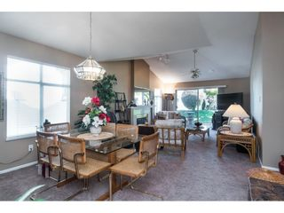 """Photo 7: 13 19649 53 Avenue in Langley: Langley City Townhouse for sale in """"Huntsfield Green"""" : MLS®# R2412498"""
