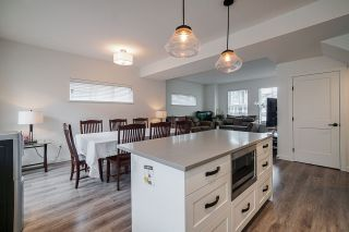 """Photo 5: 44 5945 176A Street in Surrey: Cloverdale BC Townhouse for sale in """"CRIMSON TOWN HOMES"""" (Cloverdale)  : MLS®# R2560814"""