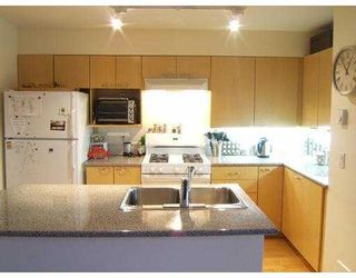 """Photo 2: 658 W 7TH Ave in Vancouver: Fairview VW Condo for sale in """"LIBERTE"""" (Vancouver West)  : MLS®# V634088"""