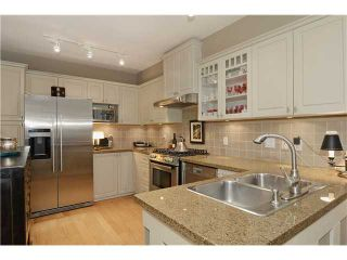 """Photo 4: 215 3188 W 41ST Avenue in Vancouver: Kerrisdale Condo for sale in """"LANESBOROUGH"""" (Vancouver West)  : MLS®# V1027530"""