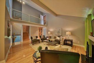 Photo 2: 12 Oakvale PL SW in Calgary: Oakridge House for sale : MLS®# C4125532