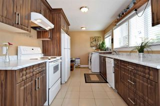 Photo 2: 419 GLENHOLME Street in Coquitlam: Central Coquitlam House for sale : MLS®# R2092246