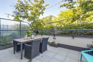 """Photo 11: 214 1961 COLLINGWOOD Street in Vancouver: Kitsilano Townhouse for sale in """"VIRIDIAN GREEN"""" (Vancouver West)  : MLS®# R2205025"""