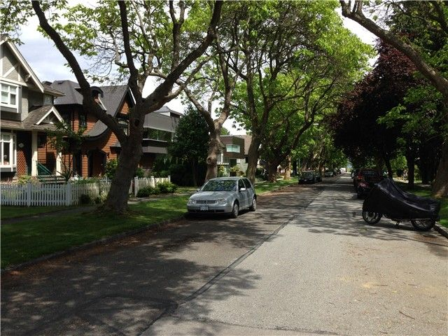Photo 3: Photos: 4693 W 9TH Avenue in Vancouver: Point Grey House for sale (Vancouver West)  : MLS®# V1070935