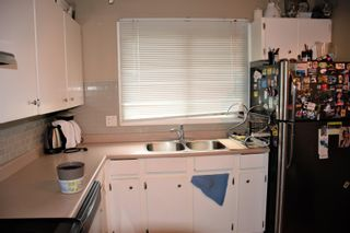 Photo 3: 7619 176 Street in Edmonton: Zone 20 Townhouse for sale : MLS®# E4261009