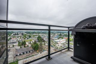 """Photo 13: 2202 10777 UNIVERSITY Drive in Surrey: Whalley Condo for sale in """"CITY POINT"""" (North Surrey)  : MLS®# R2564095"""