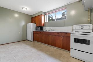Photo 10: 1418 41 Street SW in Calgary: Rosscarrock Detached for sale : MLS®# A1130231