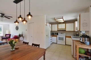 Photo 10: 1042 FAIRVIEW Road in Gibsons: Gibsons & Area House for sale (Sunshine Coast)  : MLS®# R2589107