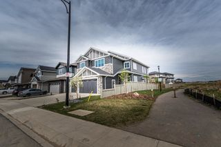 Photo 2: 4622 CHARLES Way in Edmonton: Zone 55 House for sale : MLS®# E4245720