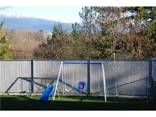 """Photo 2: 2874 NORMAN Avenue in Coquitlam: Ranch Park House for sale in """"RANCH PARK"""" : MLS®# V1036565"""