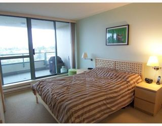 """Photo 7: 806 6659 SOUTHOAKS Crescent in Burnaby: Highgate Condo for sale in """"GEMINI II"""" (Burnaby South)  : MLS®# V761025"""