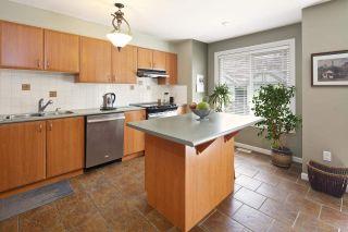 "Photo 9: 15 2351 PARKWAY Boulevard in Coquitlam: Westwood Plateau Townhouse for sale in ""WINDANCE"" : MLS®# R2059226"