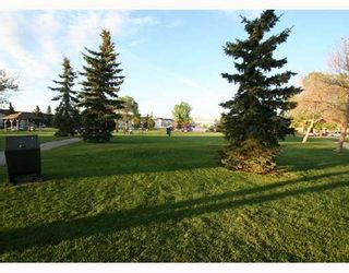 Photo 10: 53 RADCLIFFE Close SE in CALGARY: Radisson Heights Residential Attached for sale (Calgary)  : MLS®# C3346576