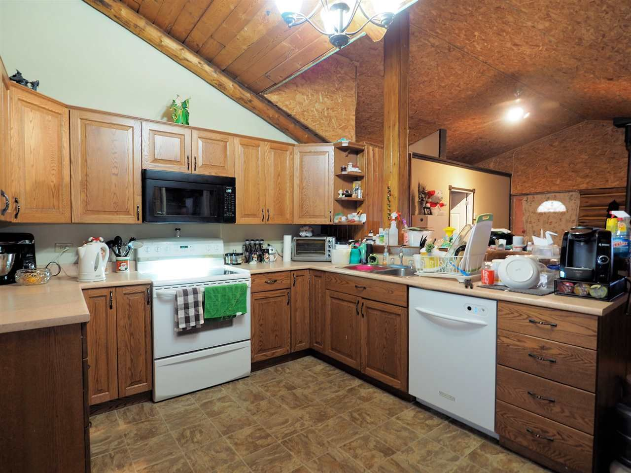 Photo 3: Photos: 5134 PERKINS Road: Forest Grove House for sale (100 Mile House (Zone 10))  : MLS®# R2424549