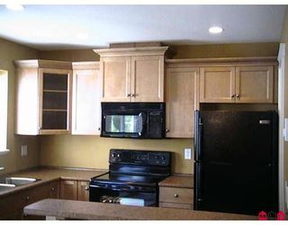 """Photo 2: 2 46832 HUDSON Road in Sardis: Promontory Townhouse for sale in """"CORNERSTONE HAVEN"""" : MLS®# H2805636"""