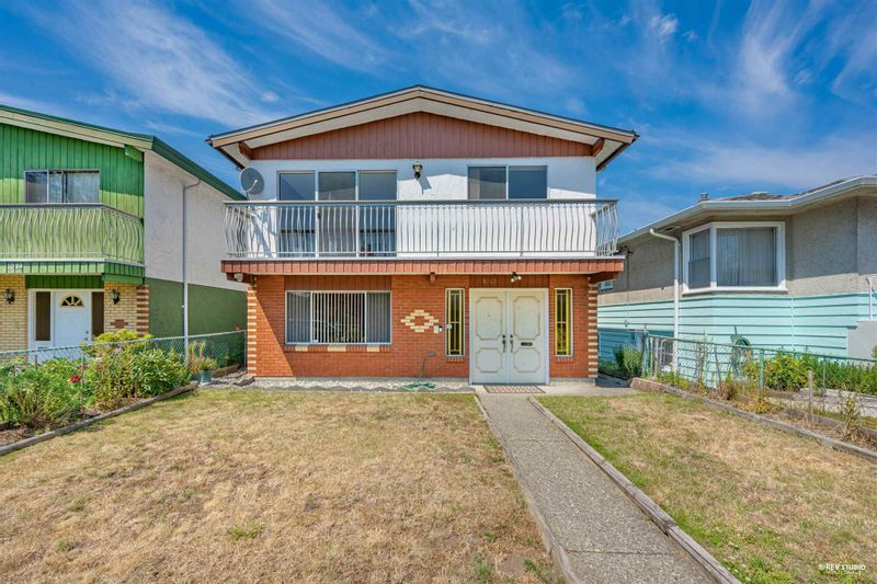 FEATURED LISTING: 1043 58TH Avenue East Vancouver