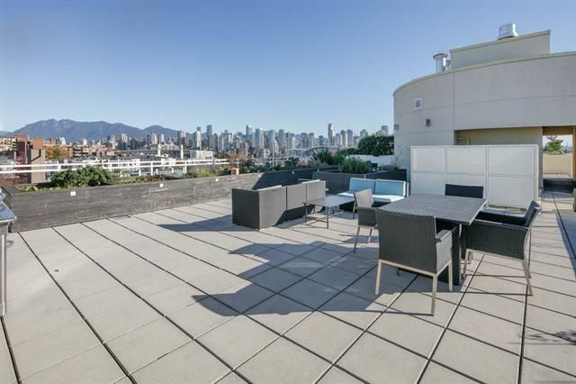 """Photo 5: Photos: 211 1635 W 3RD Avenue in Vancouver: False Creek Condo for sale in """"THE LUMEN"""" (Vancouver West)  : MLS®# R2230902"""