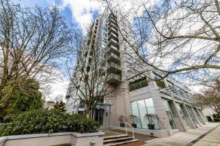 Photo 1: 1404 120 W 16TH STREET in North Vancouver: Central Lonsdale Condo for sale : MLS®# R2445510