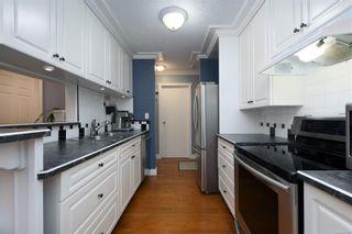 Photo 9: 311 2520 Wark St in : Vi Hillside Condo for sale (Victoria)  : MLS®# 865903