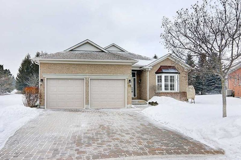 FEATURED LISTING: 46 Golden Bear Street Whitchurch-Stouffville